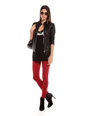 Estilo grunge de la nueva colección de Bershka - Jeans rojos