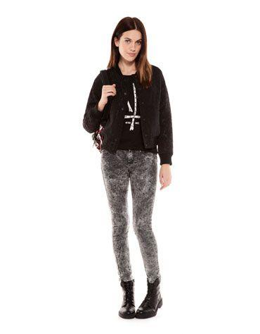 Estilo grunge de la nueva colección de Bershka - Camiseta huesos