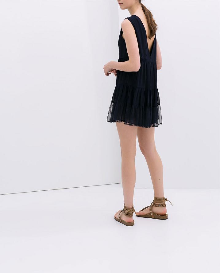 Cómo llevar un vestido con la espalda al aire