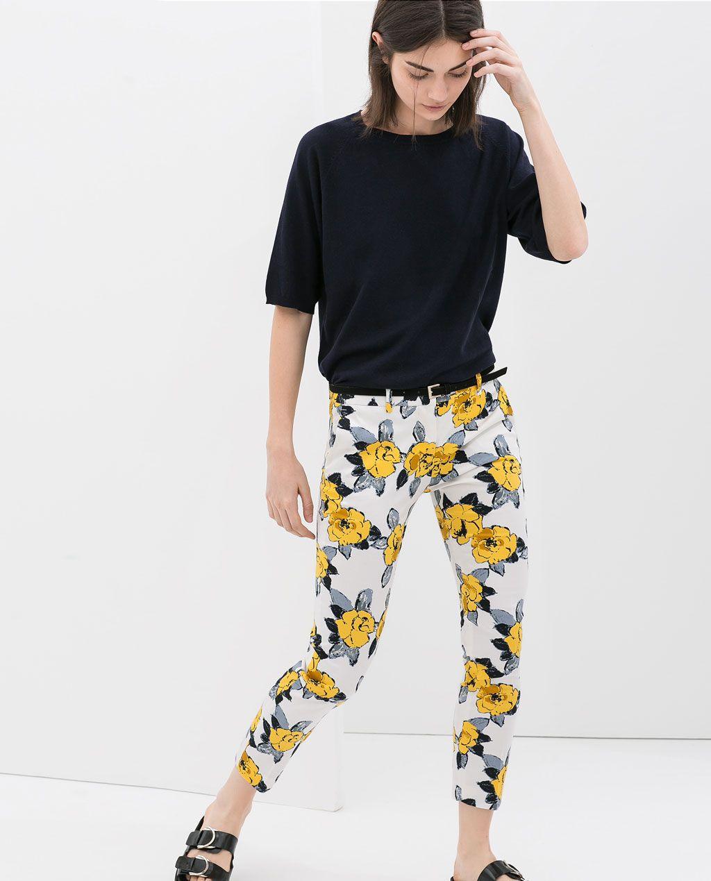 Color de moda para el verano - Pantalón flores