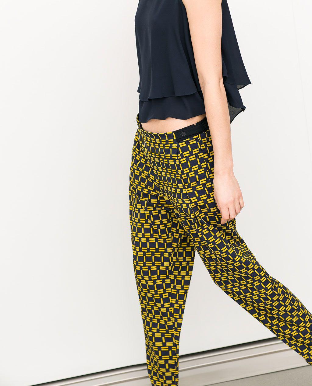 Color de moda para el verano - Pantalón estampado