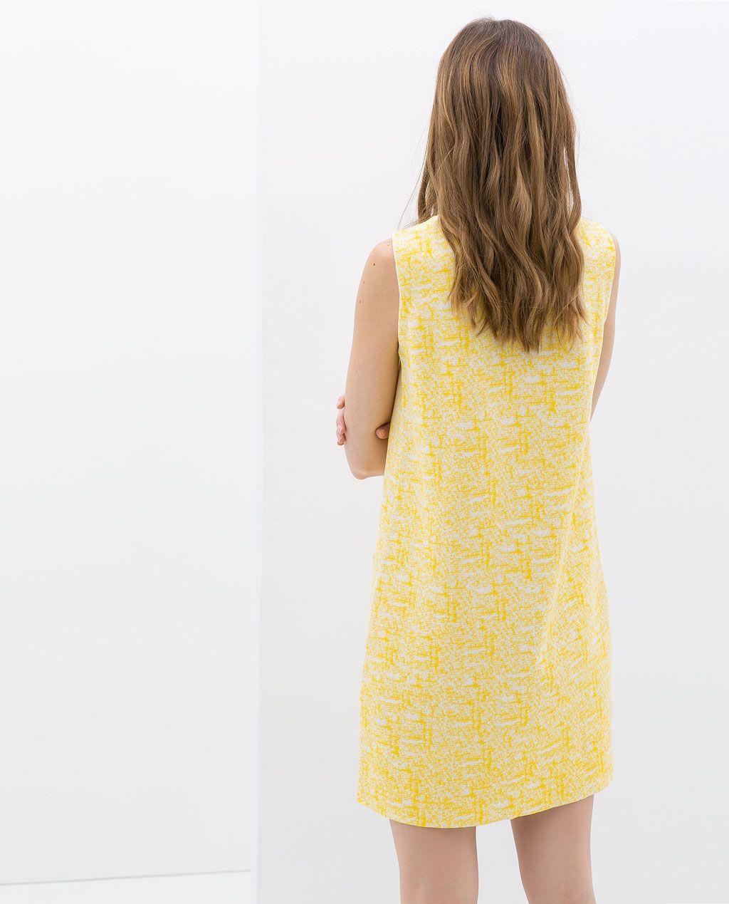 Color de moda para el verano - Vestido texturas