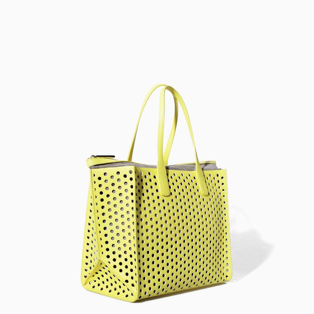 Color de moda para el verano - Bolso