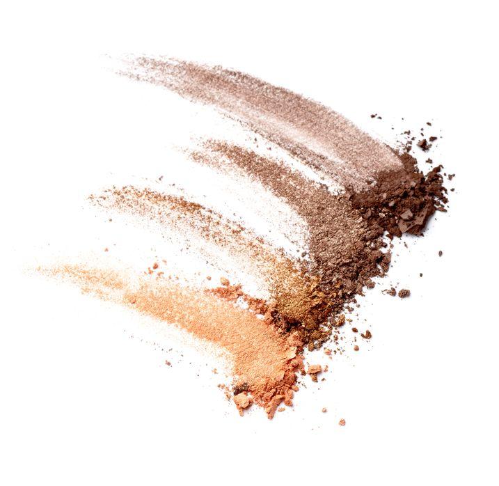 Maquillaje de ojos natural - Sombras de tonos tierra