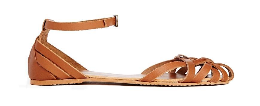 Tendencias en sandalias - Sandalias cangrejeras de cuero