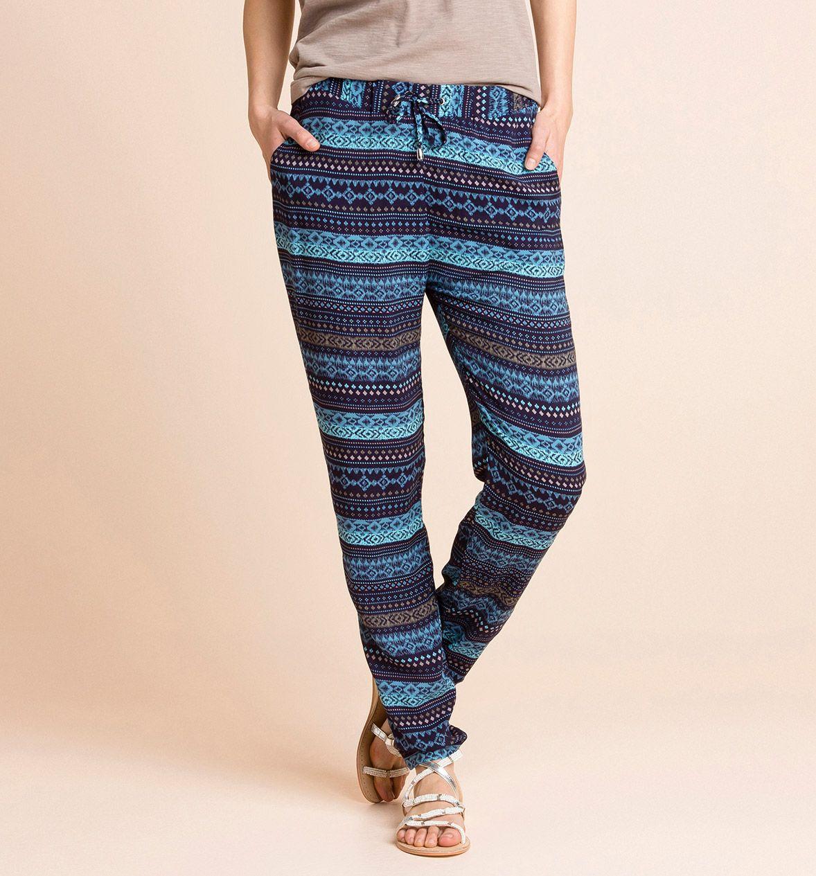 Pantalones fluidos en tonos azules