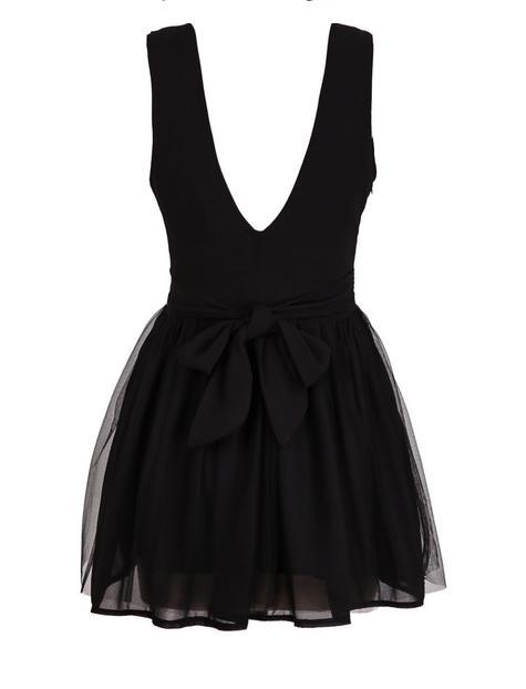 Tendencias primavera verano 2015 - Vestido negro minimalista