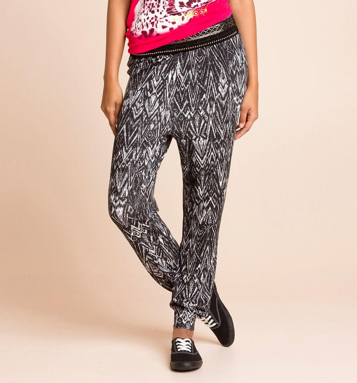 Pantalones con estampado blanco y negro