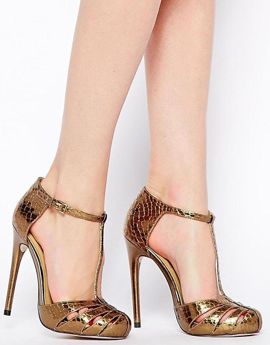 Tendencias de moda primavera verano 2015 - Sandalias de tacón doradas minimalistas
