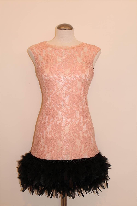 Vestidos cortos de fiesta - Vestido rosa de plumas