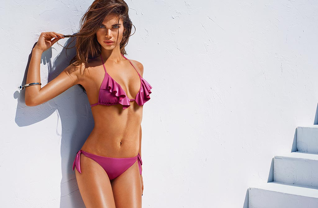Bikini con volante en pecho
