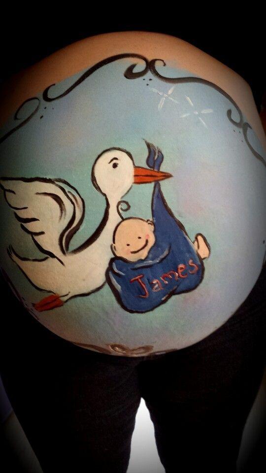 Body painting en barrigas de embarazadas