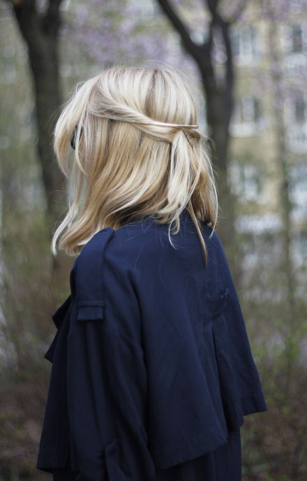 Peinados media melena recogido
