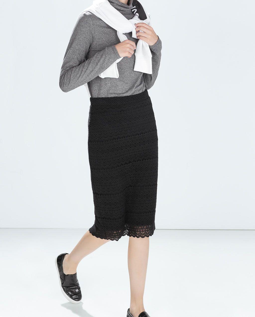 Catálogo Zara Trafaluc - Falda de tubo con tejido de encaje
