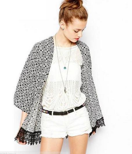 Kimono blanco y negro