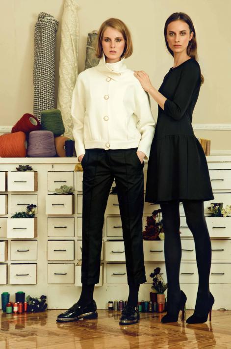 Dolores Promesas - Camisa y pantalón. Vestido negro