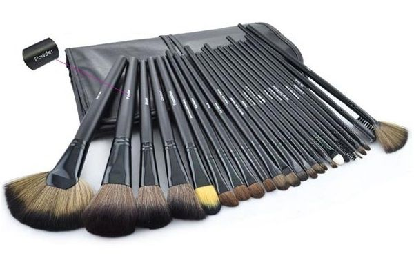 Set de 24 brochas de maquillaje variadas con bolsa