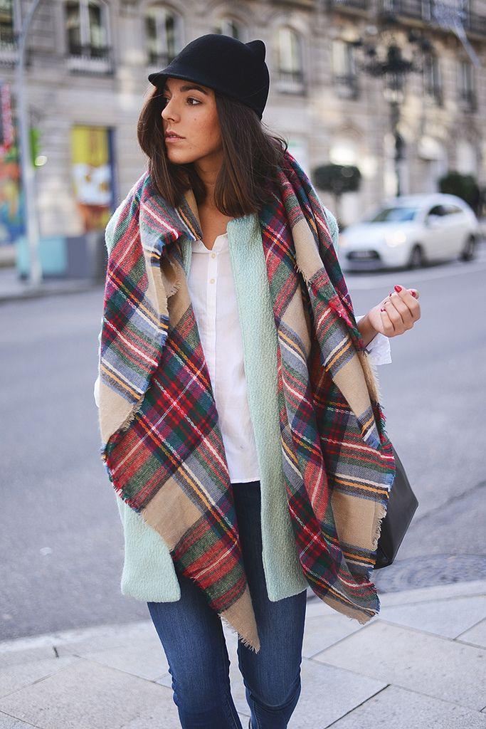 Como poner la bufanda manta suelta