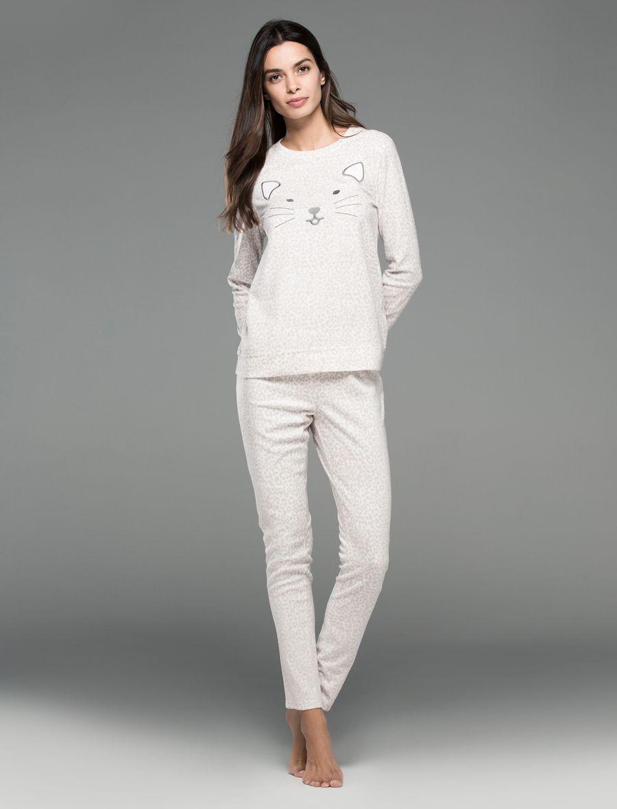 Pijama de gatito para invierno