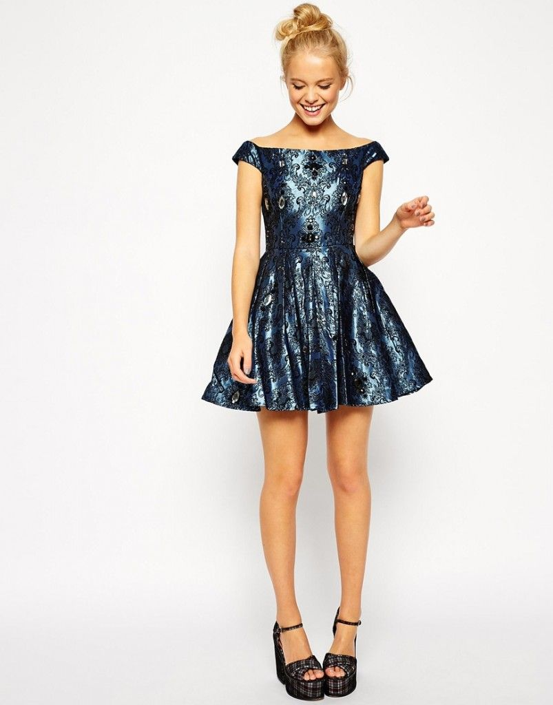 Vestido azul con pedrería