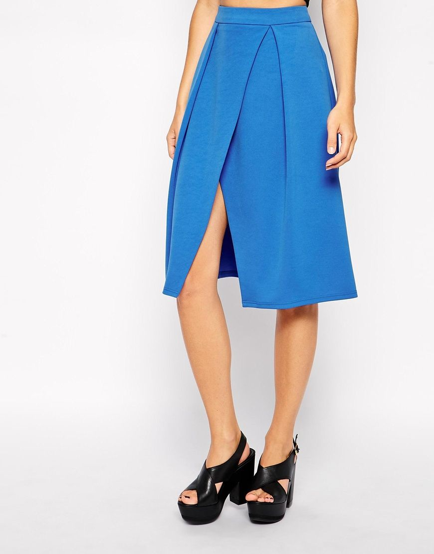 Tendencias de moda primavera-verano 2015 - Falda cruzada media pierna