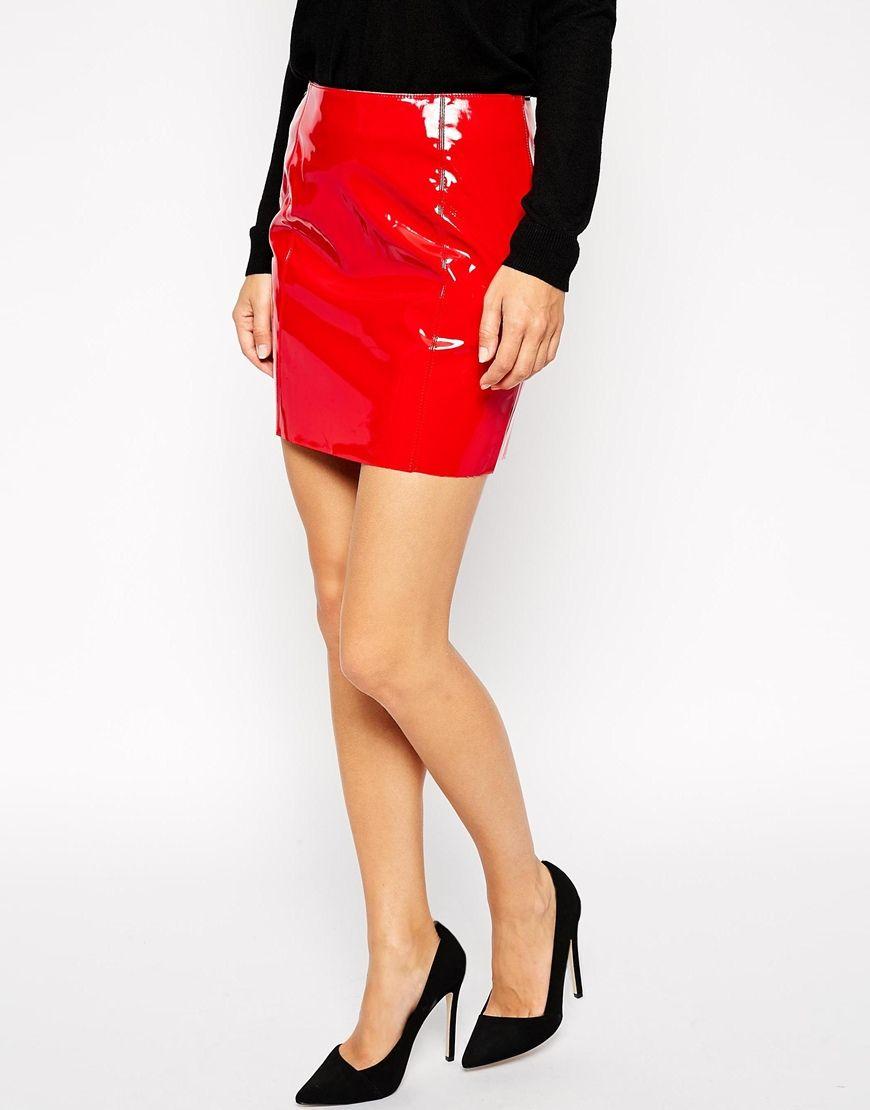 Tendencias de moda primavera-verano 2015 - Mini falda de vinilo