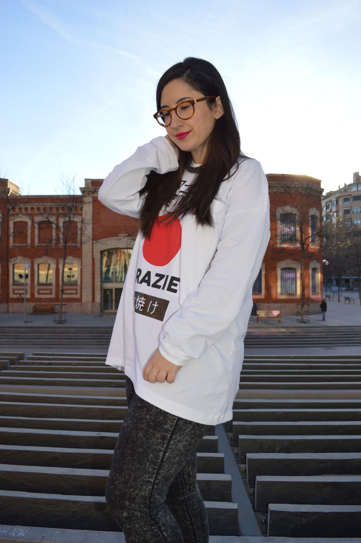 Camiseta de estilo oriental con letras japonesas