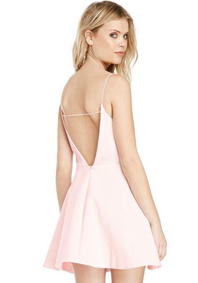 Vestido con espalda descubierta rosado