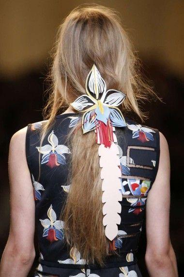 Tendencias de peinados verano 2015 - Abalorios para el pelo