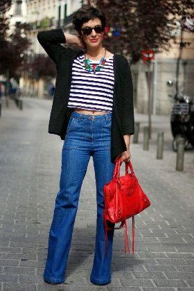 Pantalones de campana con crop top