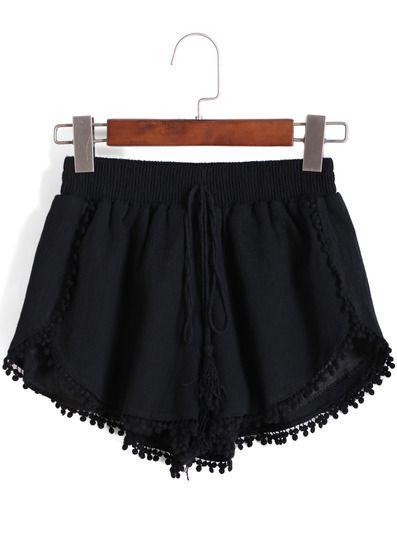 Shorts negros con borlas
