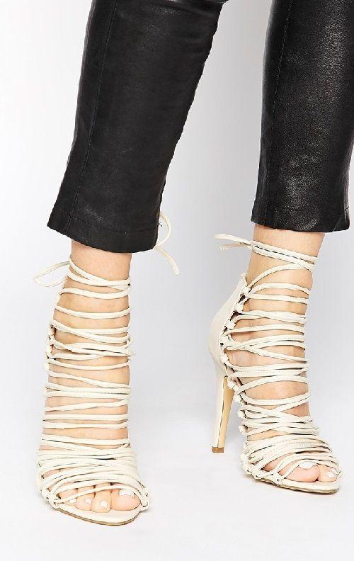 Sandalias de correas