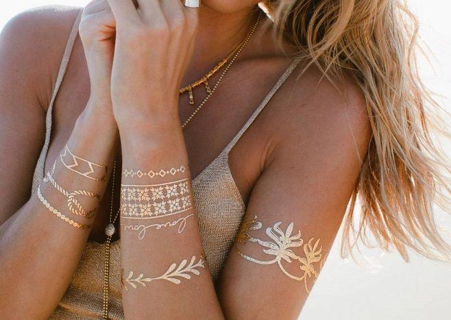 Tatuajes temporales dorados y plateados