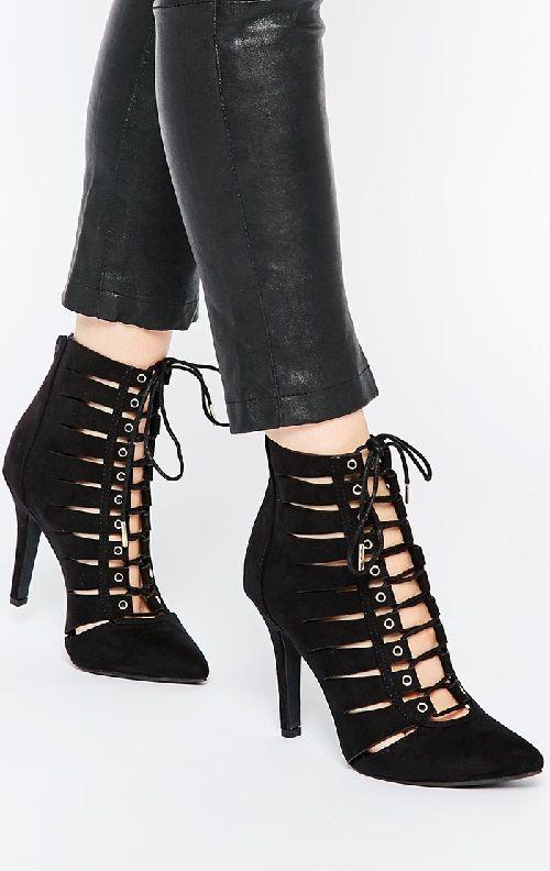Zapatos de tacón negros con cordones