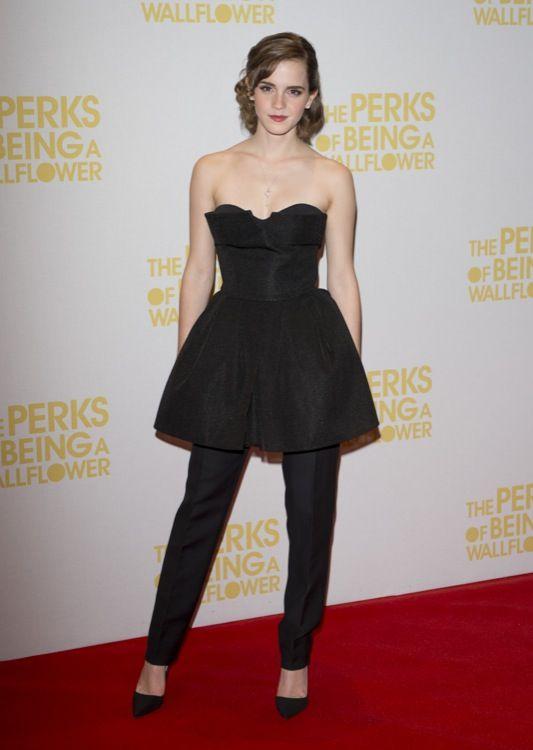 Emma Watson traje negro