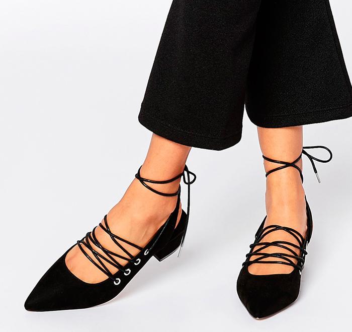 zapatos negros de vestir