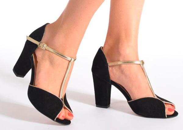 Zapatos elegantes de fiesta