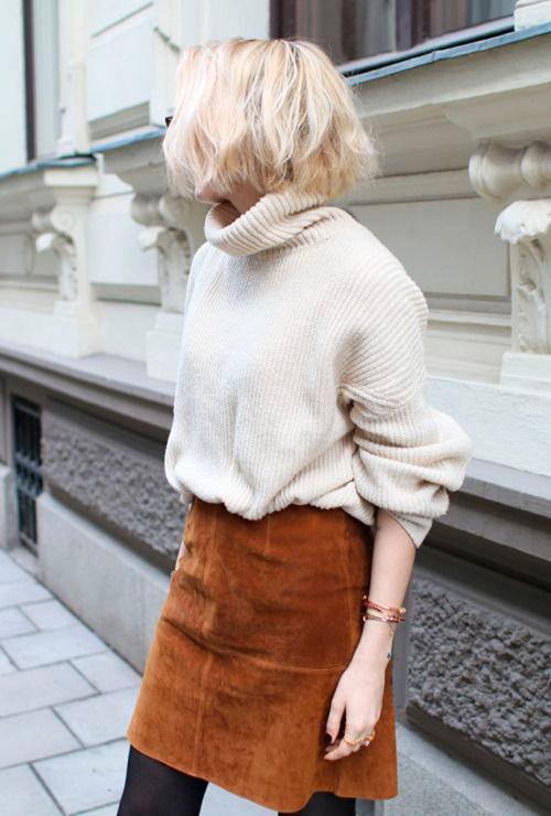 falda de tubo de cuero