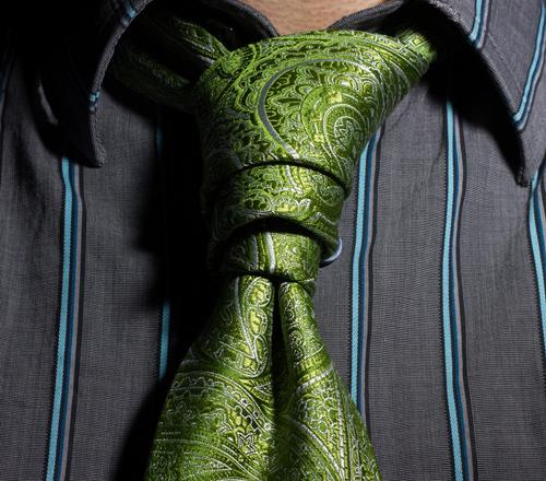 hacer nudo corbata