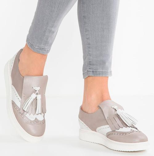 zapato castellano mujer