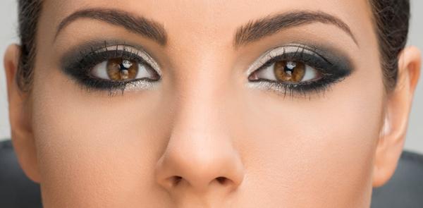 maquillaje de ojos ahumados fácil