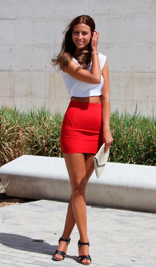tias en minifaldas