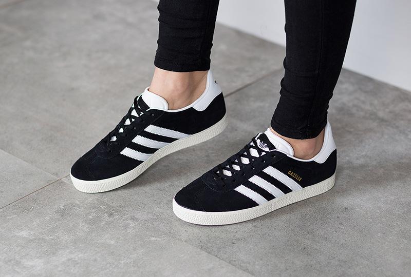 release date 06def 1fcfe Descubre cómo combinar unas zapatillas Adidas de una forma diferente, y  toma nota de estos looks que te van a dejar fascinada y tú también querrás  llevar.