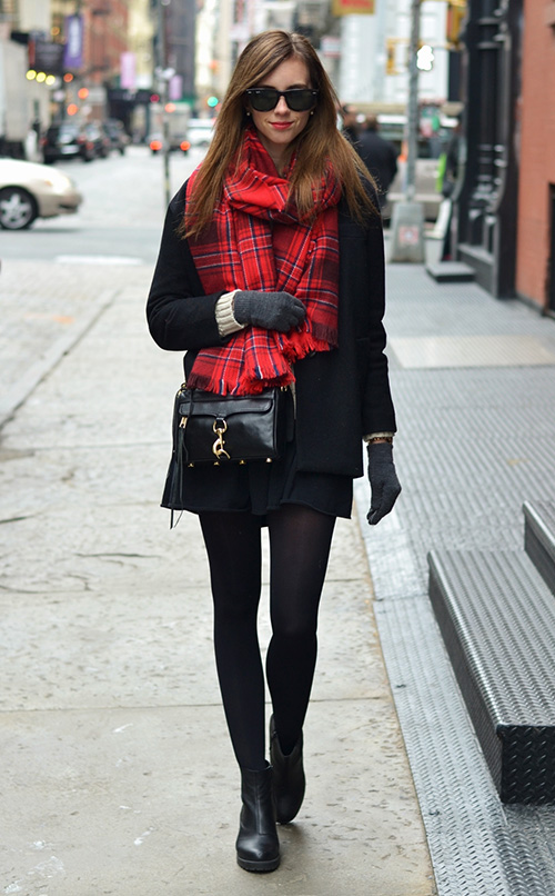 combinar bufanda roja