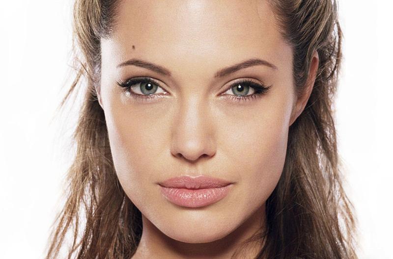 maquillaje de ojos angelina jolie