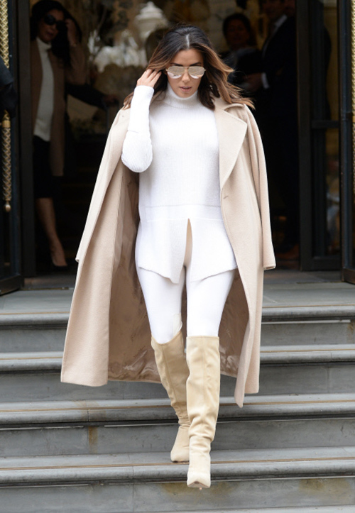 pantalones blancos de mujer