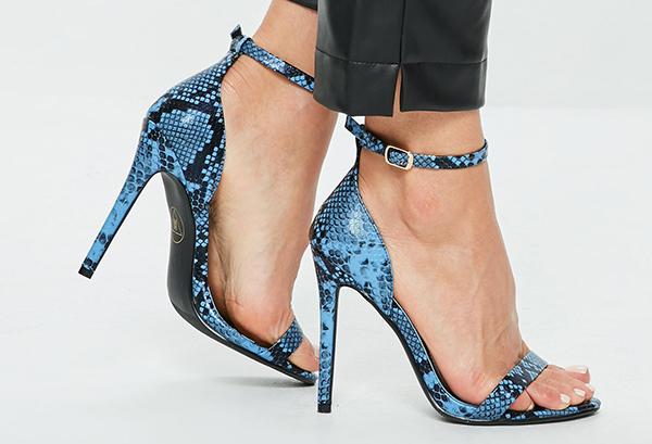 sandalias azules tacon