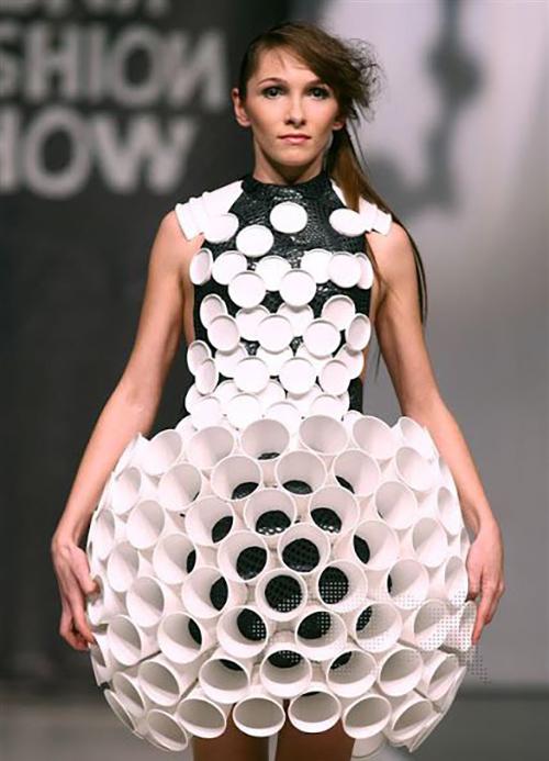 como hacer vestimenta de reciclaje