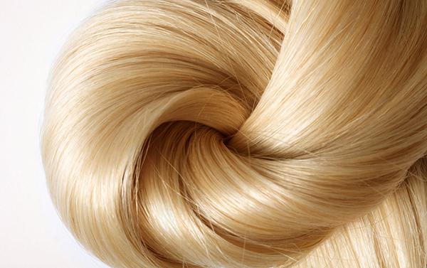 que agua oxigenada debo usar para aclarar el cabello