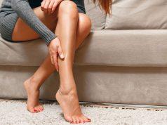 como maquillar piernas con manchas